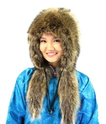 A-raccoon-girl-hat-2