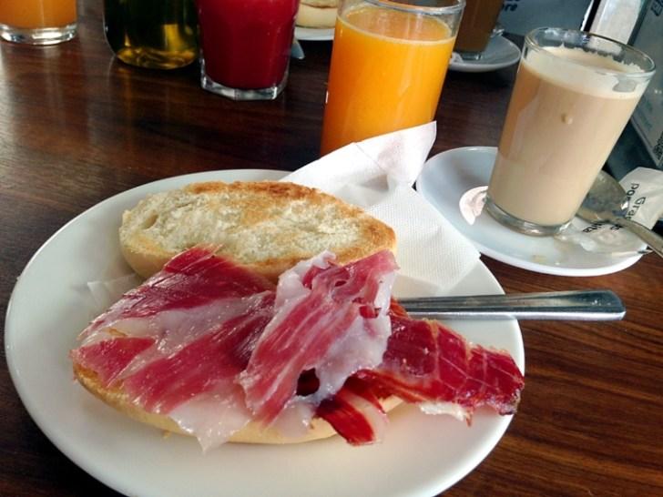スペイン朝食 トスターダ