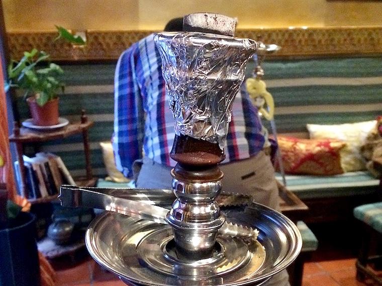 グラナダアラブ人街の水タバコ