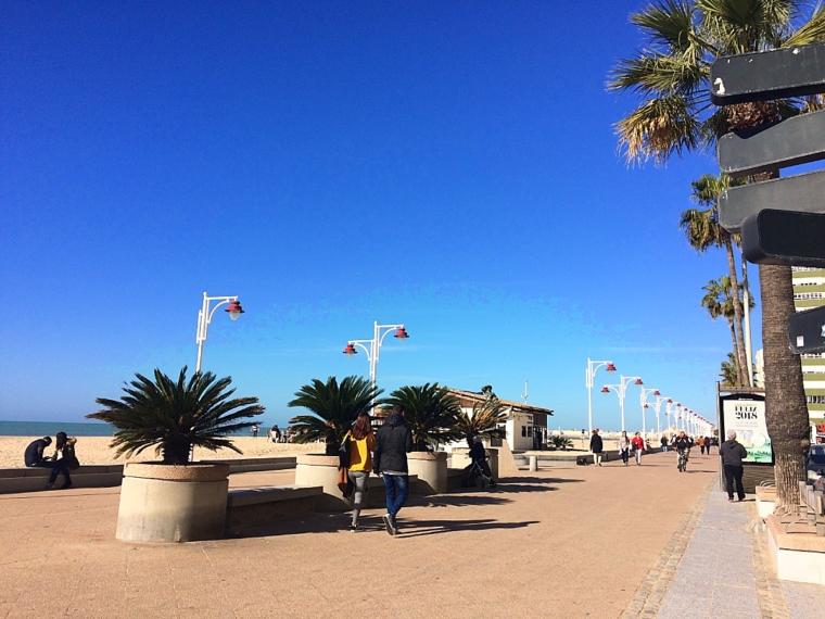 スペインのカディスの海岸