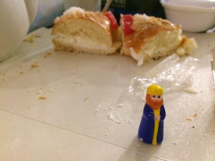スペインのクリスマスのお菓子と人形