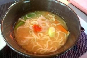 セビリア日本食レストラン山崎のラーメン