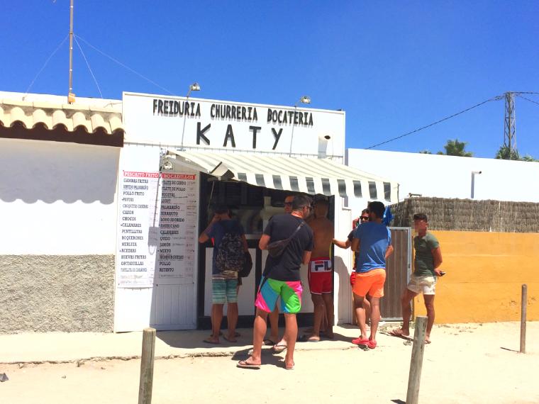 スペインのエル・パルマールのビーチのテイクアウトの店