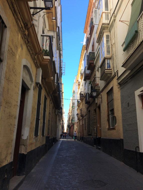 スペインのカディスの通り