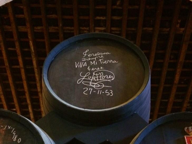 ヘレスのシェリー酒のボデガ見学のロラ・フローレスの樽