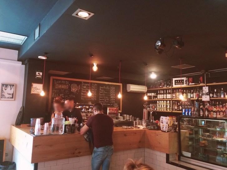 セビリアのWiFiカフェ『Orfeo』の店内