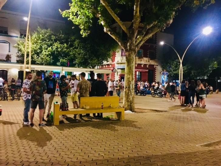 セビリアのアラメダの広場とボテジョンたち