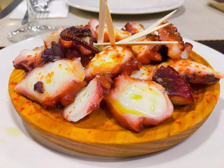 カルバジーニョのレストラン『Fuchela』のタコのガリシア風