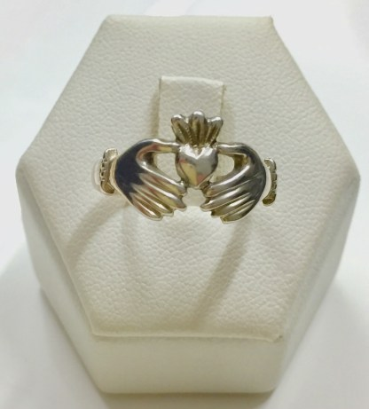 Irlandese Claddagh ring