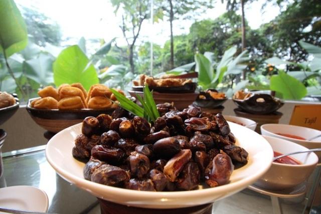 Menu Buka Puasa di Kampoeng Ramadhan Swiss Belhotel Pondok Indah