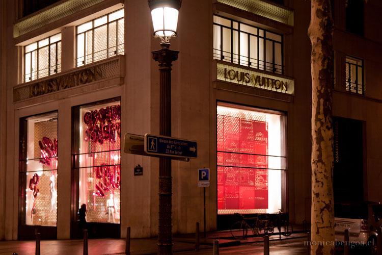 Fieltro de lana natural calado a mano. Chili, l'envers du décor (2010). L'Espace Culturel Louis Vuiton, París, Francia
