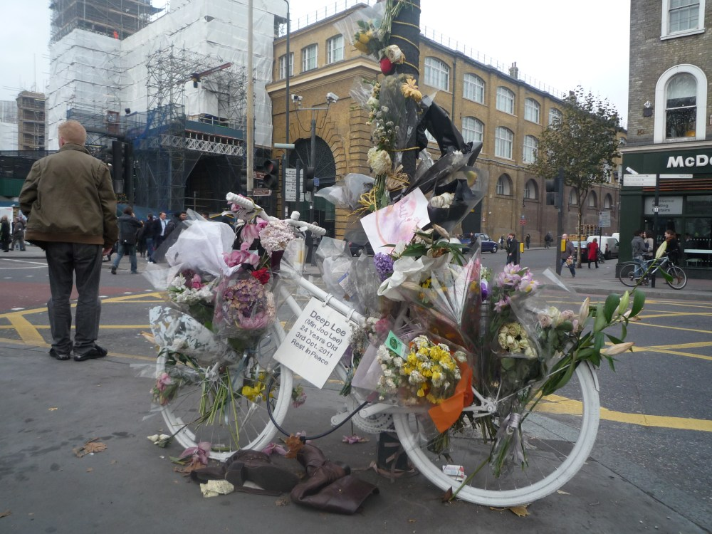 Street Hauntings and Ghost Bikes (3/3)
