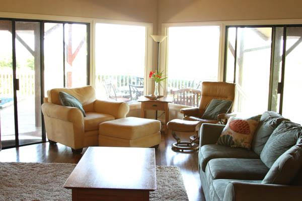 living room at thegrommom.com