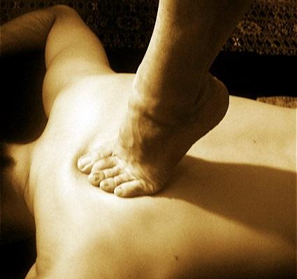 masaje con pies, masajes hechos con los pies