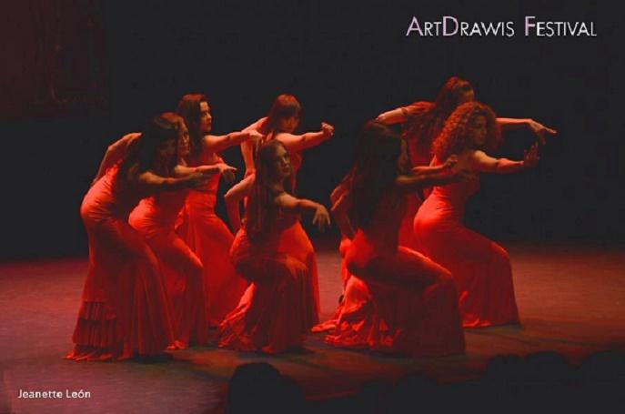 MT Evolution Dancers en ArtDrawis Teatro Arlequín