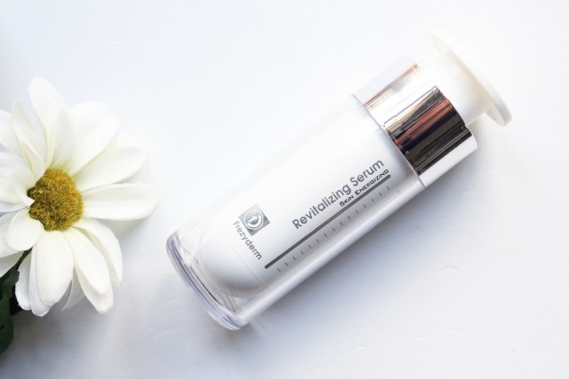 revitalizing-serum-frezyderm-monica-vizuete-dermakosmetic