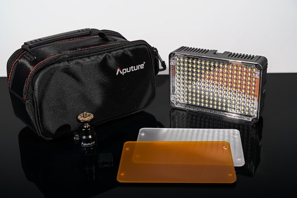 Aputure AL-H198 LED Video Light
