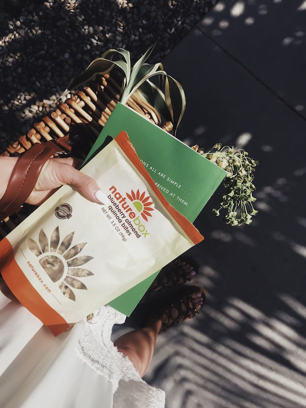 HEALTHY SNACKS WITH NATUREBOX