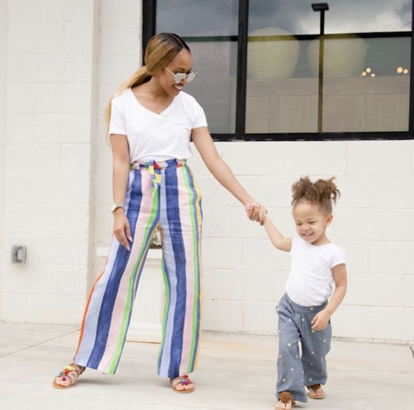 COOL MOMS I'M TAKING STYLE CUES FROM