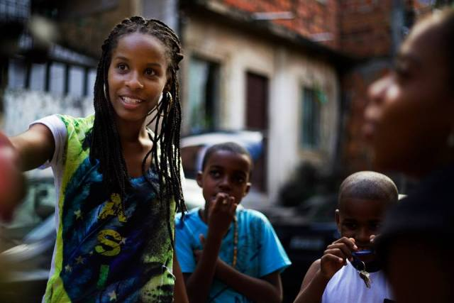 """""""At school, they said that I must be good in bed because of being black"""": After suffering from stereotypes that Brazilian society reserves for black women, Monique Evelle now heads her own organization"""