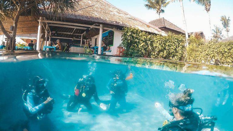 Blue Corner Dive Pool Training Nusa Lembongan Bali