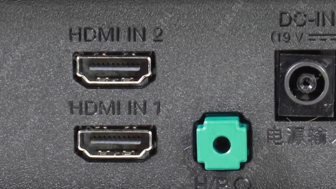各連絡先を慎重にチェックして実行してから、保護スクリーンを再び再現してシェルを収集し、HDMIケーブルコネクタをさらに使用することができます。