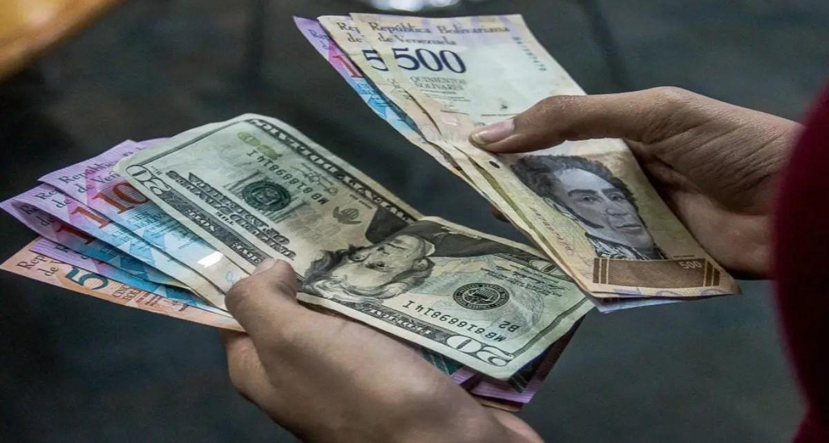 Venezolanos hacen malabares para sortear el impacto de la hiperinflación y la pandemia en el país