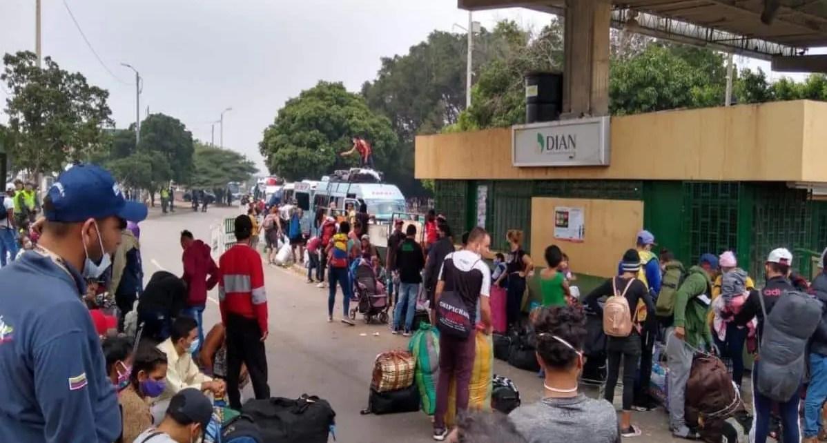 Las calamidades presentadas en Colombia tras la pandemia del Covid- 19, un n?mero de 68 mil venezolanos regresan de Colombia a Venezuela