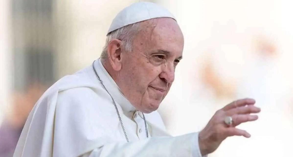 El Papa crea fondo para ayudar a pa?ses m?s vulnerables al coronavirus, El Vaticano inform? este lunes 06/04 que el fondo se abre con una contribuci?n de 750.000 d?lares