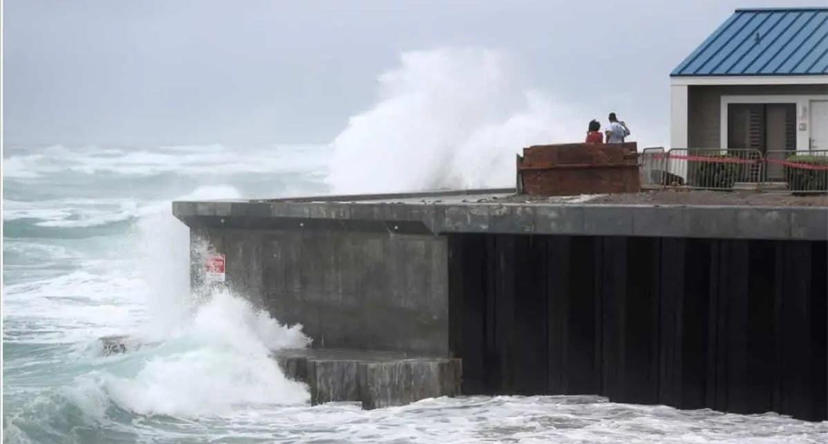 Luego de bordear Florida, Isa?as se convertir? en hurac?n en su ruta hacia las Carolinas, NHC emiti? una advertencia de hurac