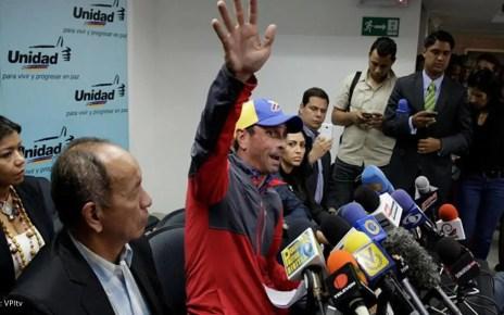 El anuncio de Henrique Capriles levantó un sin fin de opiniones de dirigentes opositores, que con diferentes expresiones lo rechazaron