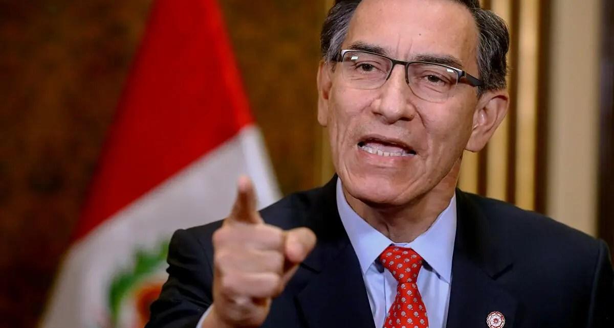 """.Crisis en Perú: Vizcarra se defiende ante amenazas de su destitución: """"No me Corro"""", un audio muestra a Vizcarra coordinando.."""