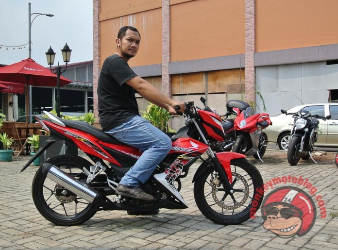test ride honda sonic 150-12