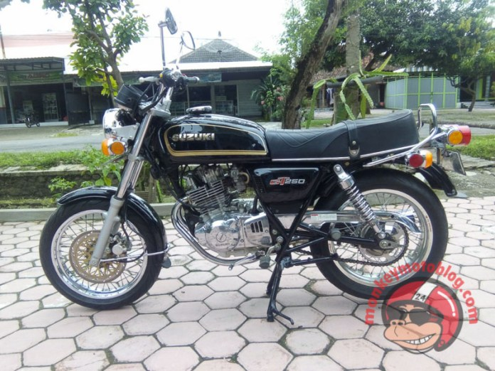 Thunder 250 cafe retro-13