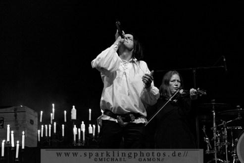 2011-06-09_WGT_-_Henke_spielt_Goethes_Erben_-_Bild_002x.jpg