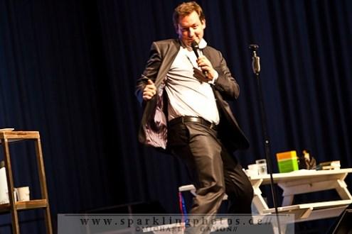 2011-12-13_Dr_Eckart_Von_Hirschhausen_-_Bild_014x.jpg
