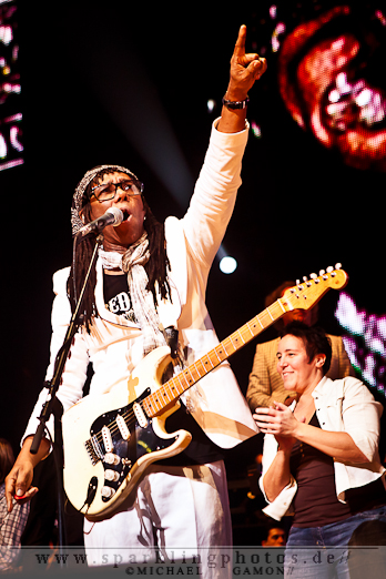 2011-12-17_NOTP_-_Chic_feat_Nile_Rogers_-_Bild_009x.jpg
