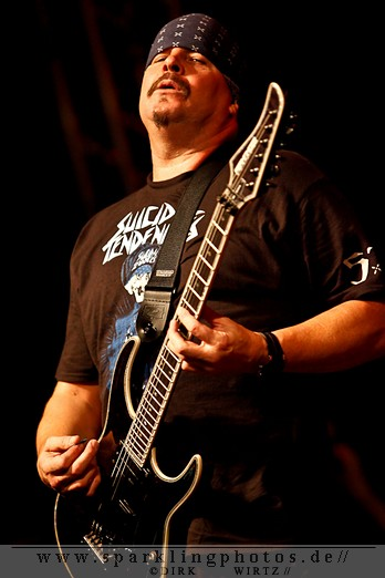 2012-01-21_Suicidal_Tendencies_-_Bild_009.jpg