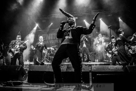2013-07-12_Leningrad_Cowboys_-_Bild_005x.jpg