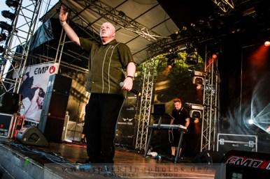 2013-07-21_VNV_Nation_-_Bild_006x.jpg