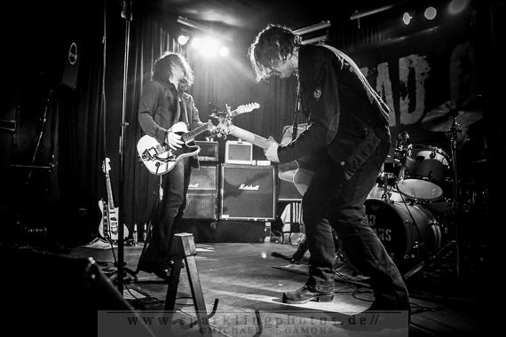 2013-12-21_Dead_Guitars_-_Bild_011x.jpg