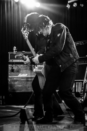 2013-12-21_Dead_Guitars_-_Bild_029x.jpg