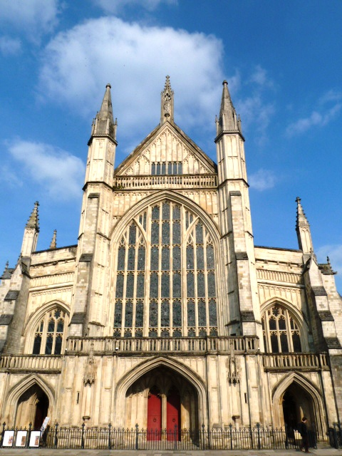 things to do in Winchester_Winchester Cathedral
