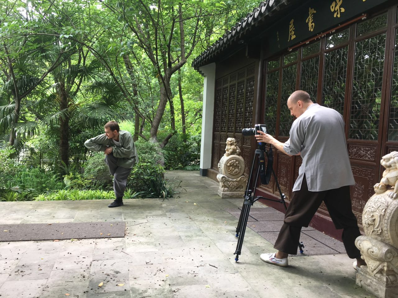 filming on set with Jiang Hu