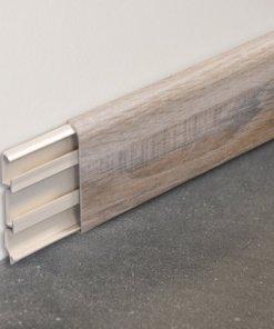 Plinthe passe-câbles PVC décor revêtu chêne naturel - 80x14.5mm