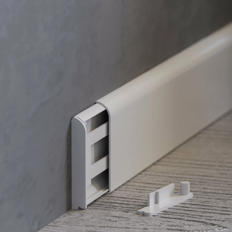 Embouts pour plinthes passe-câbles PVC Blanc avec plinthe ouverte