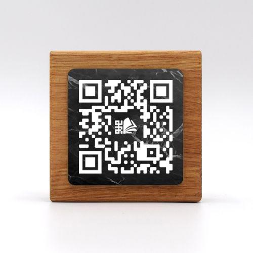totem-premium-carre-marbre-noir1-mon-menu-360
