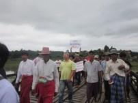 Locals protesting at the Mon Wooden Bridge (Photo: IMNA)