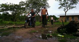 Government troops and police seen with no T-shirt or uniform at DKBA base (photo: ZL)