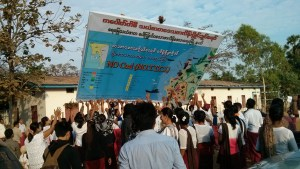 Local residents erect 'No Coal' signboard (Photo: MNA)